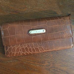 💎 Anne Klein brown croc wallet